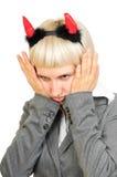 Portret van een gekke jonge vrouw die aan partij wordt vermoeid stock foto's