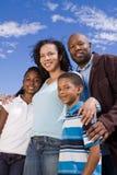 Portret van een gelukkige Afrikaanse Amerikaanse familie stock afbeeldingen