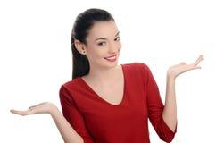 Portret van een gelukkige jonge mooie vrouw met haar omhoog handen. stock foto's