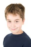 Portret van een glimlachende jonge jongen Royalty-vrije Stock Afbeeldingen