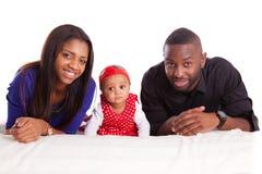 Portret van een jonge Afrikaanse Amerikaanse familie - Zwarte mensen Stock Afbeeldingen