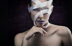 Portret van een jonge donkerbruine schoonheid Stock Foto