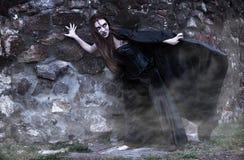 Portret van een jonge heks. Stock Fotografie