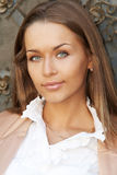 Portret van een jonge mooie dame stock foto