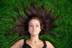 Portret van een jonge mooie vrouw Stock Afbeelding