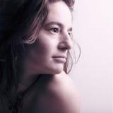 Portret van een jonge mooie vrouw royalty-vrije stock afbeeldingen