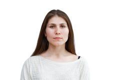 Portret van een jonge vrouw die op wit wordt geïsoleerd Royalty-vrije Stock Afbeelding