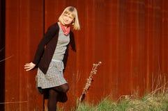 Portret van een jonge vrouw openlucht Stock Foto's
