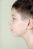 Portret van een jongen in profiel Stock Afbeeldingen