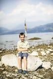 Portret van een kind voor het panorama van meermaggiore Royalty-vrije Stock Afbeeldingen