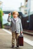 Portret van een leuke kleine jongen royalty-vrije stock afbeelding
