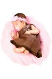 Portret van een leuke meisjeslaap in een kleding royalty-vrije stock afbeeldingen