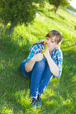 Portret van een meisje in een park Stock Afbeelding
