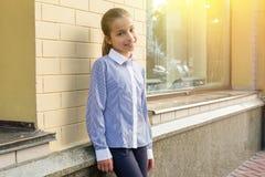 Portret van een meisje van 10-11 jaar oud Stock Foto's