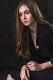 Portret van een meisje met droevige ogen Stock Fotografie
