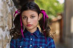 Portret van een meisje met vlechten Stock Fotografie