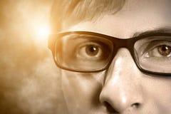 Portret van een mens met glazen Stock Foto's