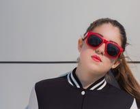 Portret van een modieus meisje Stock Fotografie