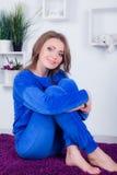 Portret van een mooi jong meisje in de studio Royalty-vrije Stock Foto