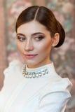 Portret van een mooi meisje bij de Studio royalty-vrije stock afbeelding