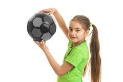 Portret van een mooi meisje met de bal in de handen van een close-up Stock Foto's