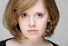 Portret van een mooi tienermeisje Stock Afbeeldingen