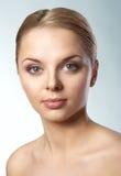 Portret van een mooi vrouwelijk model Stock Afbeelding