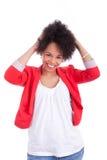 Portret van een mooie Afrikaanse Amerikaanse vrouw Royalty-vrije Stock Afbeeldingen