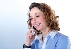 Portret van een mooie bedrijfsvrouw op licht backg Royalty-vrije Stock Fotografie