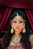 Portret van een mooie Indische Bruid Stock Foto's