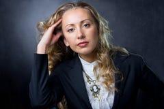 portret van een mooie jonge dame stock foto's