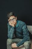 Portret van een mooie jonge mens stock afbeelding