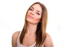 Portret van een mooie jonge vrouw in een witte T-shirt Royalty-vrije Stock Fotografie