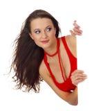 Portret van een mooie vrouw die een blanco wissel houdt Stock Afbeelding