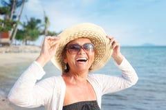 Portret van een mooie vrouw op middelbare leeftijd Stock Fotografie