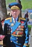 Portret van een oorlogsveteraan die camera bekijken Stock Foto