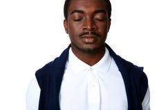 Portret van een peinzende Afrikaanse mens stock fotografie