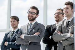 Portret van een professioneel commercieel team stock foto's
