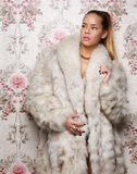 Sexy Vrouw in Bontjas royalty-vrije stock foto