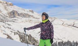 Portret van een skiër Het van brandstof voorzien van de benzinepomp Royalty-vrije Stock Afbeelding