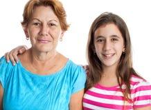 Portret van een Spaanse grootmoeder en een kleindochter Stock Foto's