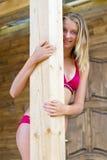 Portret van een speels tienermeisje Stock Foto's