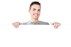 Portret van een sportieve jonge die mens op wit wordt geïsoleerd Stock Foto