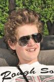 Portret van een tiener die zonnebril draagt Royalty-vrije Stock Fotografie