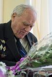 Portret van een veteraan van de Grote Patriottische Oorlog Royalty-vrije Stock Foto's