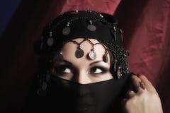 Portret van een vrouw in het oostenstijl Stock Fotografie