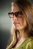 Portret van een vrouw met glazen Stock Fotografie
