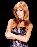 Portret van een vrouw met lange rode haren en maniermake-up stock foto's