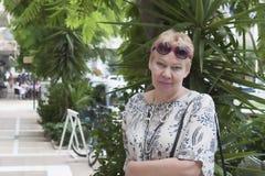 Portret van een vrouw van rijpe leeftijd royalty-vrije stock foto's