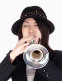 Portret van een Vrouwelijke Trompetter stock fotografie